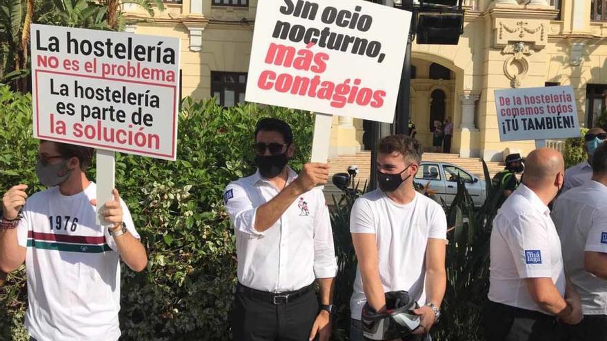 """Bares y discotecas piden ayuda a gritos por las restricciones que """"asfixian al sector"""""""