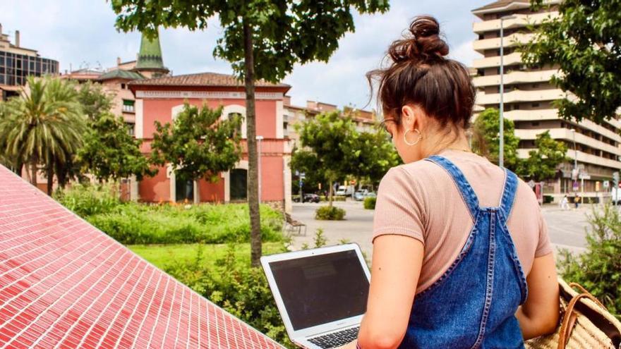Obren les inscripcions per a la programació d'estiu dels espais joves de Girona