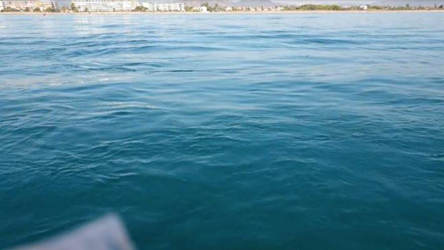 Salida del emisario submarino en la playa de Canet