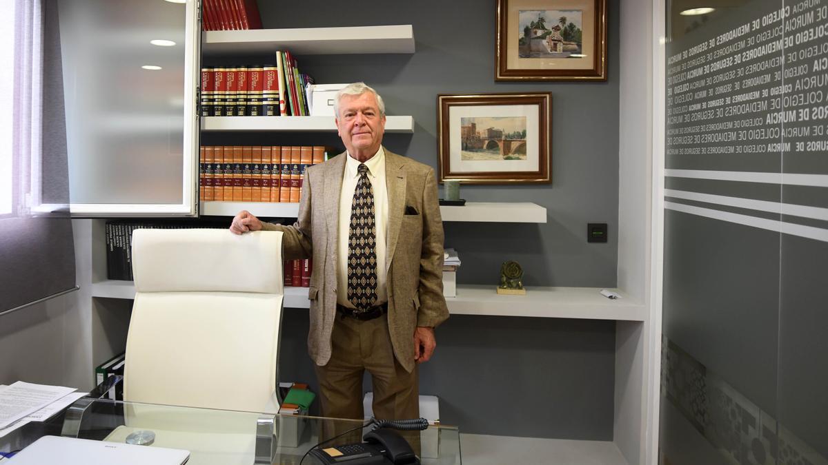 Juan Jesús Bañón, presidente  del Colegio de Mediadores de  Seguros de la Región