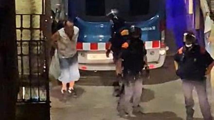 Un arrestat per agressió masclista i un altre per resistència als agents, a Artés
