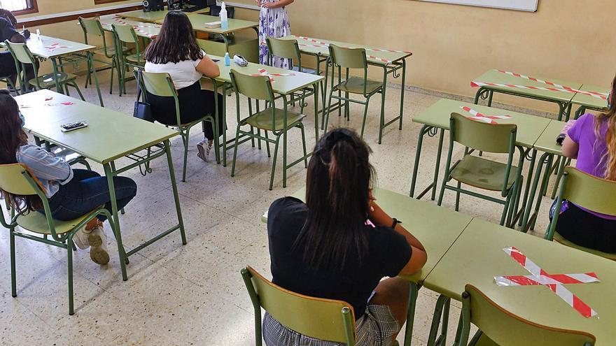 Las aulas canarias mantendrán el uso de las mascarillas el próximo curso