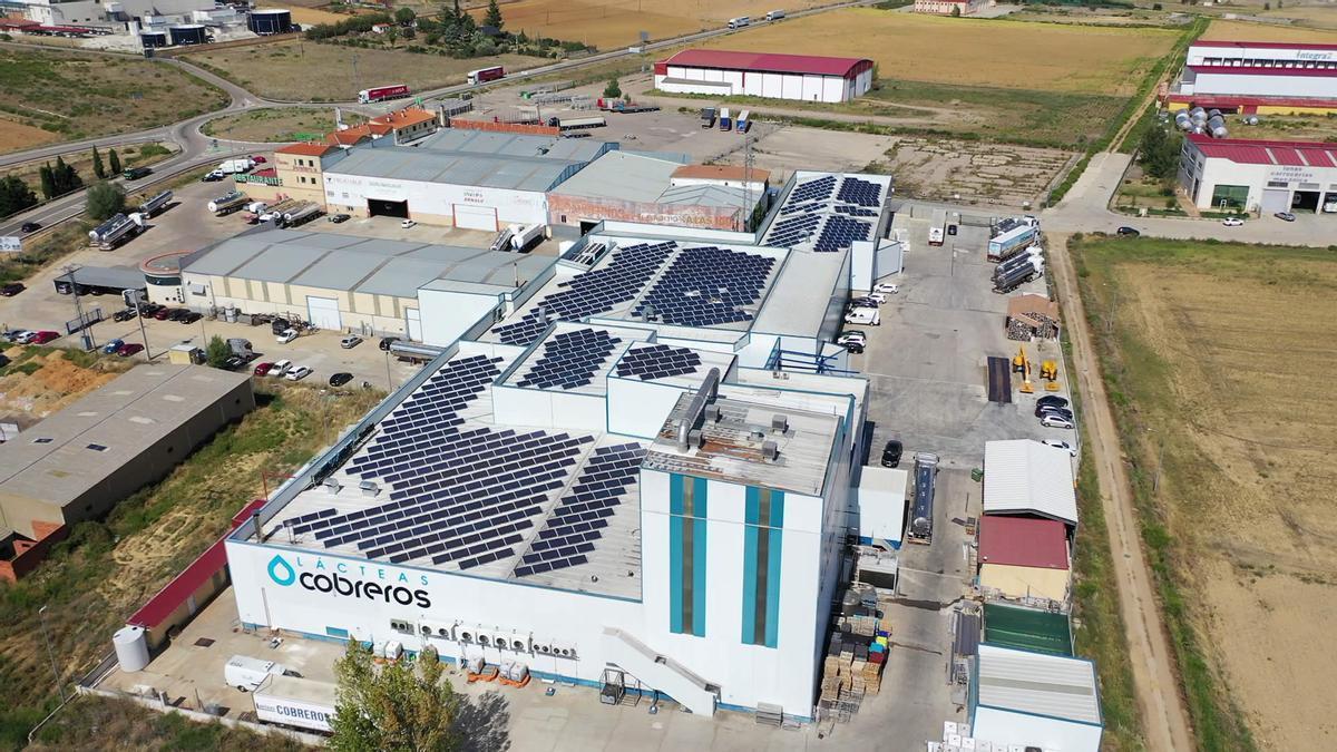 Instalación de autoconsumo de Lácteas Cobreros, en la provincia de Zamora