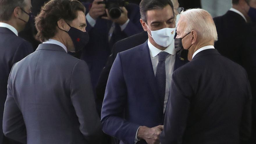 La primera trobada entre Sánchez i Biden dura menys d'un minut: una breu conversa de camí a la reunió de l'OTAN
