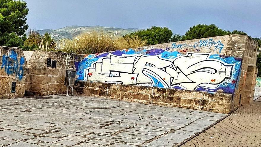 El Baluard del Príncep, un territorio vandálico desde hace años