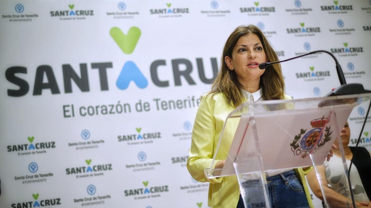 Matilde Zambudio presenta las conclusiones de la auditoria de la Sociedad de Desarrollo de Santa Cruz de Tenerife.