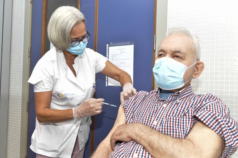 Inicio de la campaña de vacunación contra la gripe en Canarias