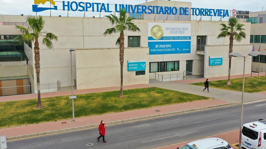 Los contagios de covid descienden un 43% en el departamento de Torrevieja en la última semana con 74 casos notificados en los diez municipios