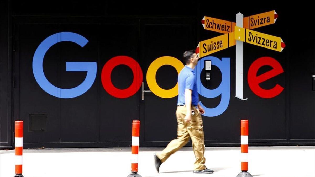 Cartel de una oficina de Google en Zurich, Suiza.