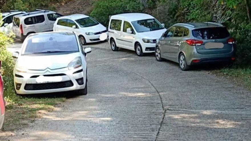 Maçanet col·loca roques per evitar el col·lapse de vehicles a la Gorga de les Dones