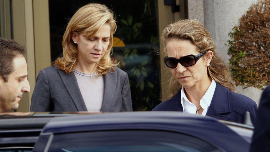 "Elena y Cristina dicen que se vacunaron para poder visitar a Juan Carlos ""regularmente"""