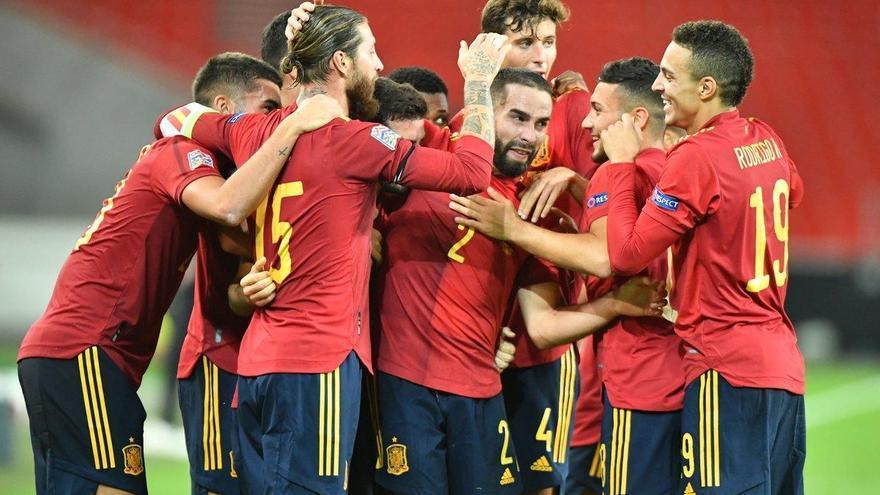 Empate a la desesperada de una España en construcción