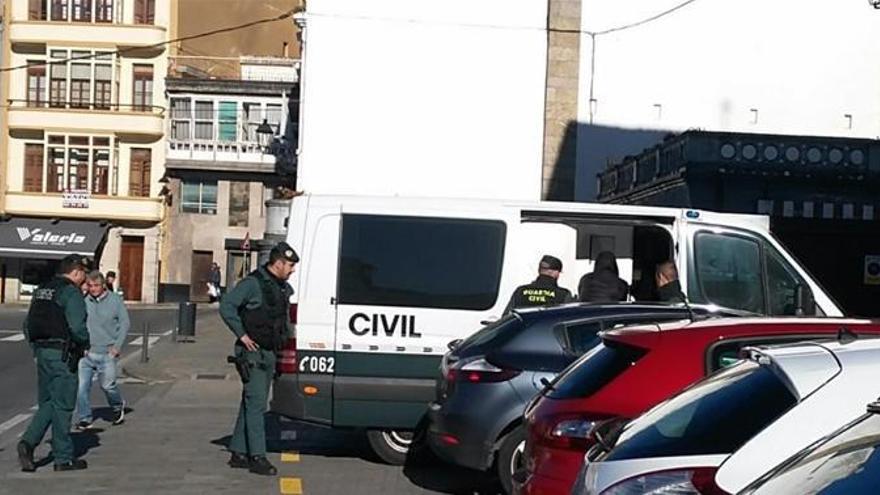 Ingresa en prisión el sospechoso del apuñalamiento en Betanzos
