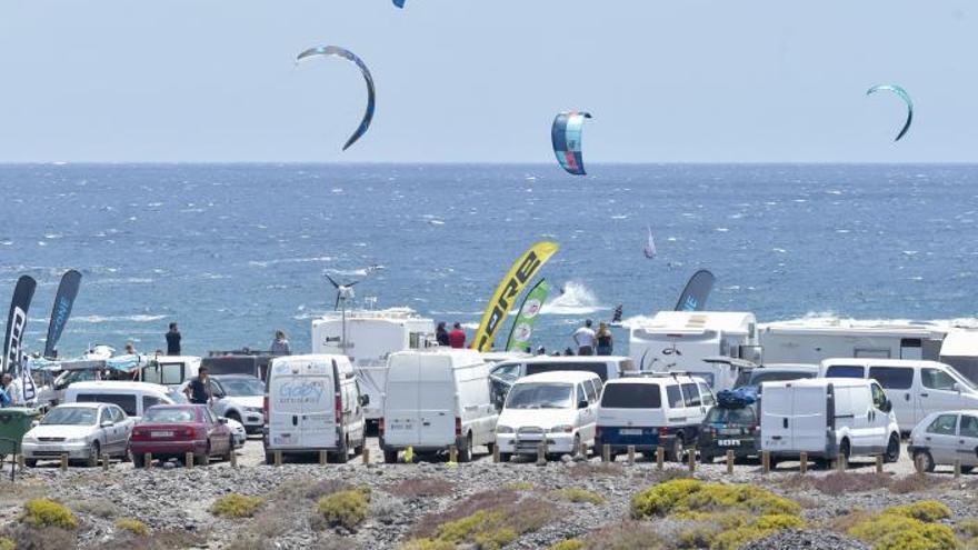 La playa de Vargas,   el reino del kitesurf