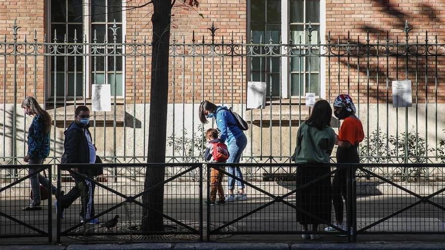 Francia cierra 22 centros escolares por coronavirus tres días después de la vuelta al cole