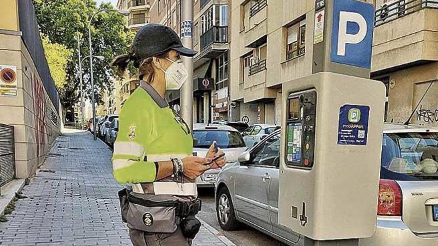 Los empleados de la ORA, Bicipalma y parkings convocan huelga con la EMT