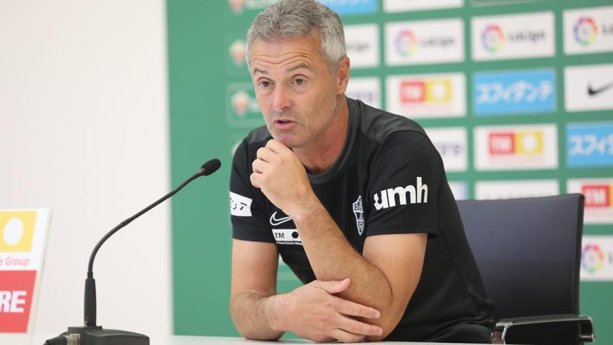 """Escribá: """"Ojalá Benedetto le dedique 25 goles más a Marcone"""""""