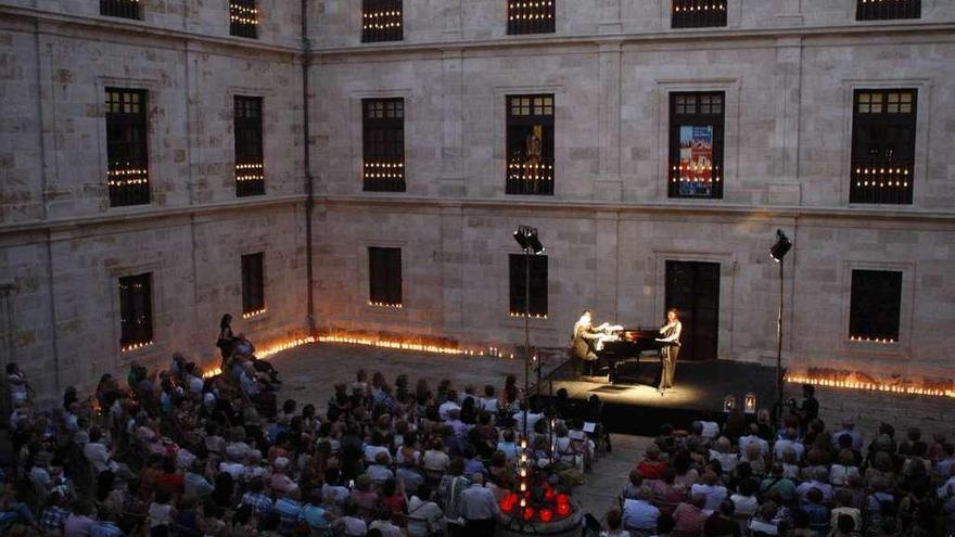 Luis del Olmo recita a Miguel Hernández