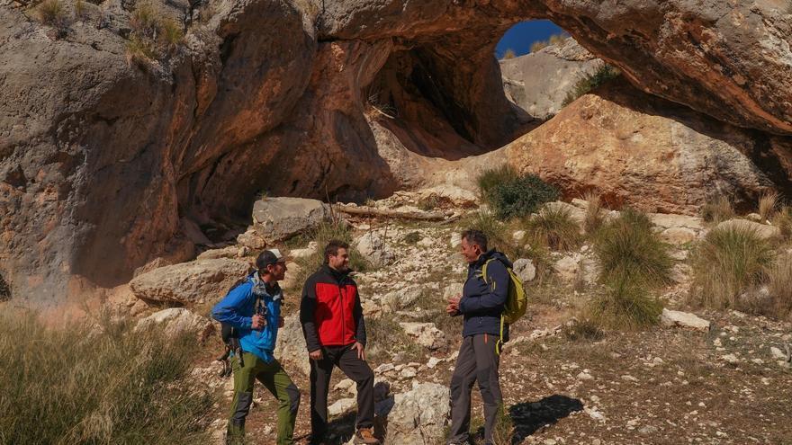 El programa de La 2 '80 cm' recorre este domingo las rutas del cañón de Almadenes y el estrecho de Bolvonegro