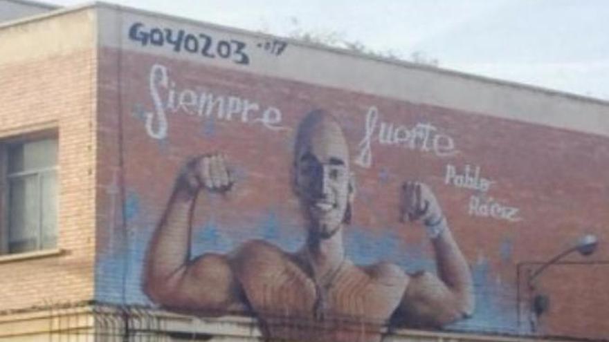 Un mural recuerda a Pablo Ráez