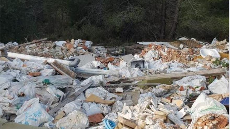 Exigen que se eliminen los vertederos en Montecañada