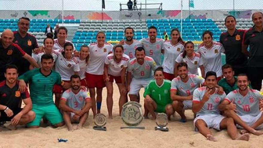La selección de fútbol playa gana en Portugal