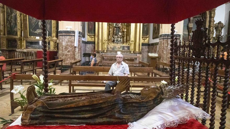 La Mare de Déu reluce en La Seu