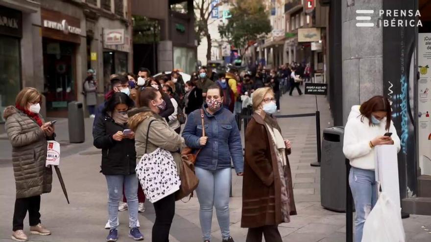 Lotería de Navidad 2020: Colas en Doña Manolita para comprar décimos