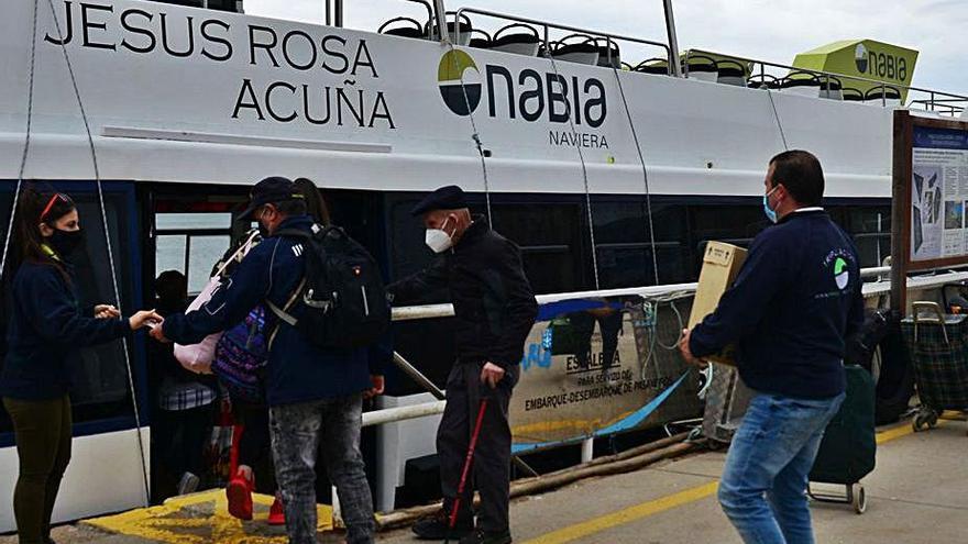 Las visitas a Cíes y Ons superan las 2.600 y mañana se prevé una gran afluencia