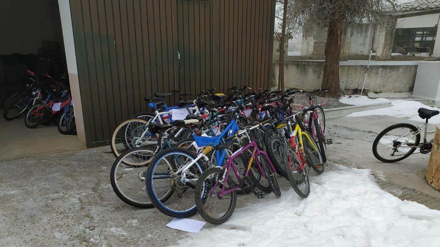 Cáritas de Zamora entrega las 50 bicicletas solidarias