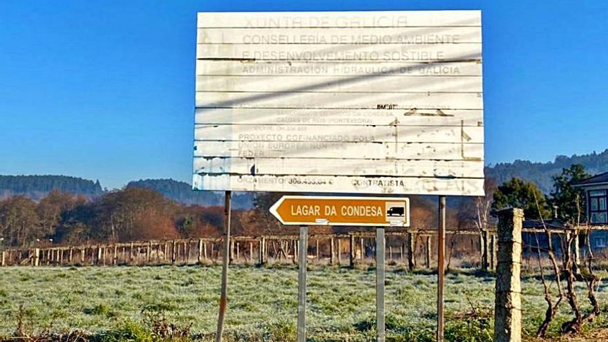 Caldas retira una trientena de vallas de obras realizadas hasta 20 años atrás