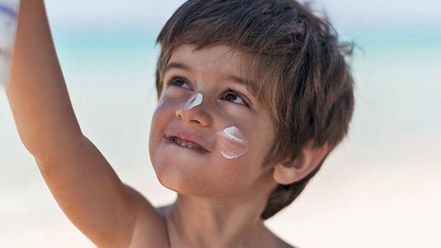 Protegir la pell dels infants per reduir el risc de càncer cutani