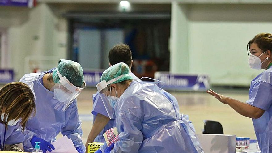 Asturias suma más de un millar de casos de coronavirus en dos días: radiografía de la situación de la tercera ola en el Principado