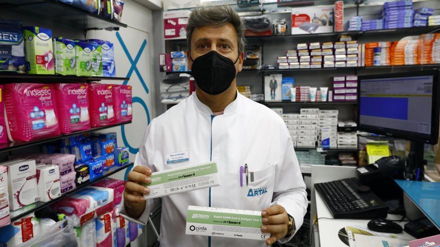 ¿Cómo funcionan los test covid que ya puedes comprar en las farmacias?