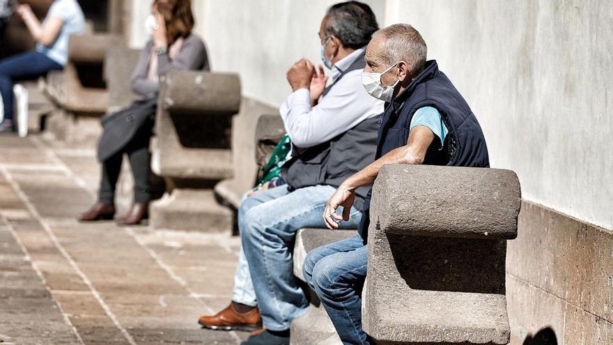 Canarias vacuna a casi el 20% de la población con, al menos, una dosis.