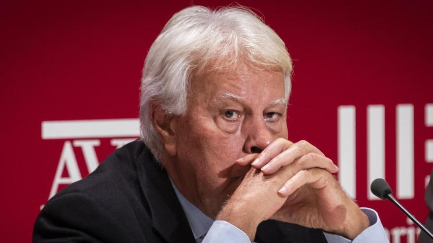 Felipe González urge a los políticos al consenso más allá de las ideologías