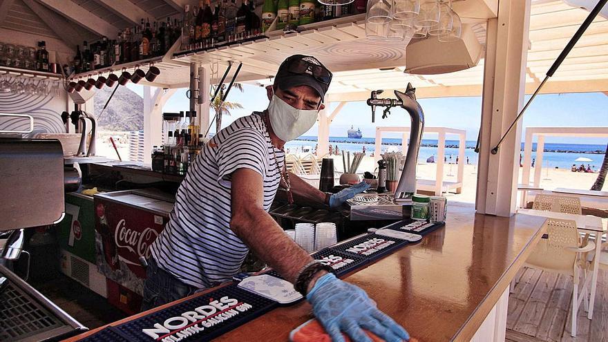 Santa Cruz de Tenerife planea reducir un 50% la tasa municipal que pagan los quioscos-bares