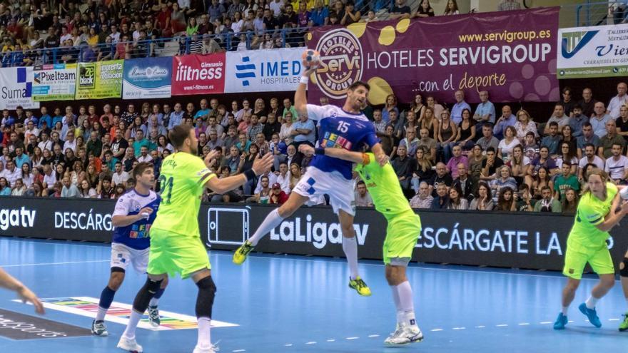 El BM Benidorm pone a la venta las entradas ante el Barcelona