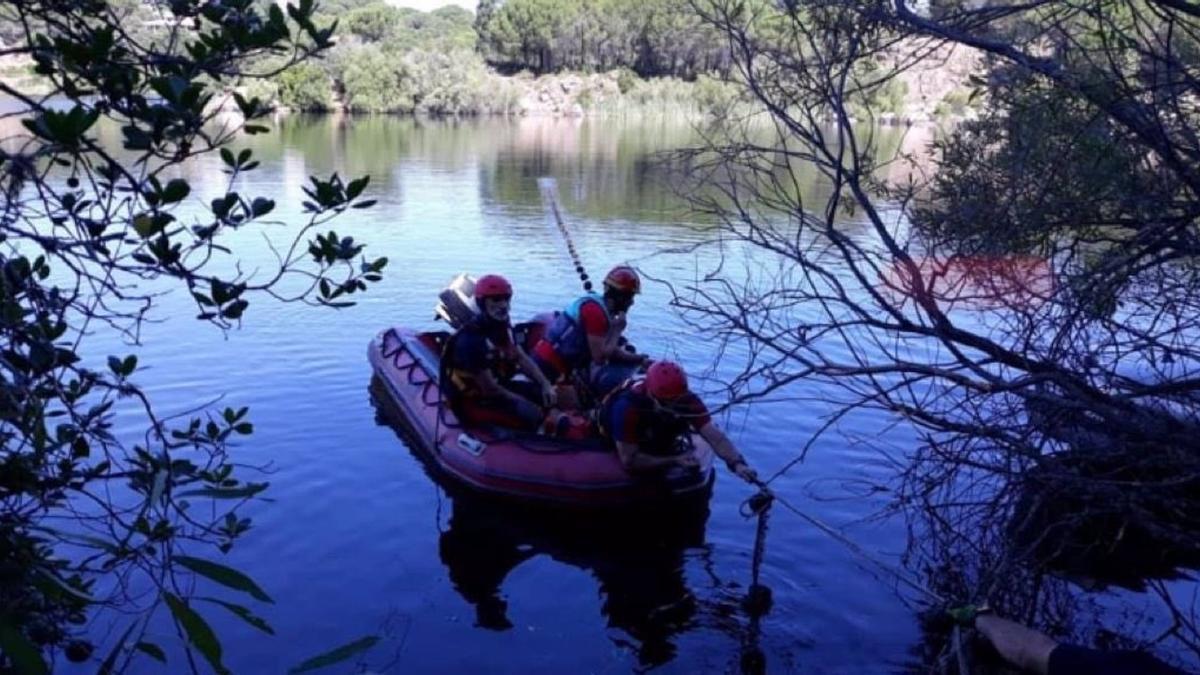 Búsqueda del joven desaparecido en el Lago Azul de Córdoba