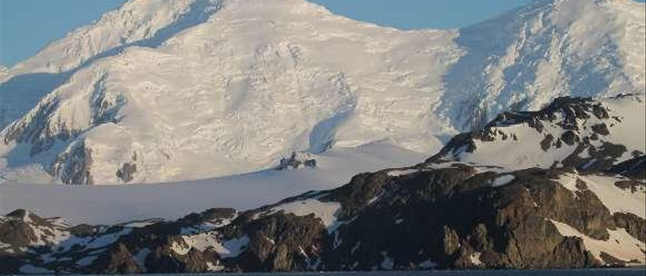 El hielo antártico inició el retroceso 14.000 años antes de lo estimado, revelan científicos asturianos