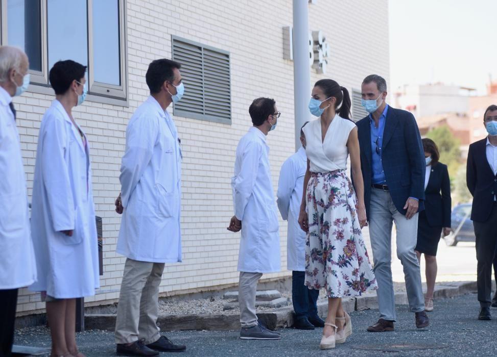 Visita del rey Felipe VI y la reina Letizia al IMIB en Murcia