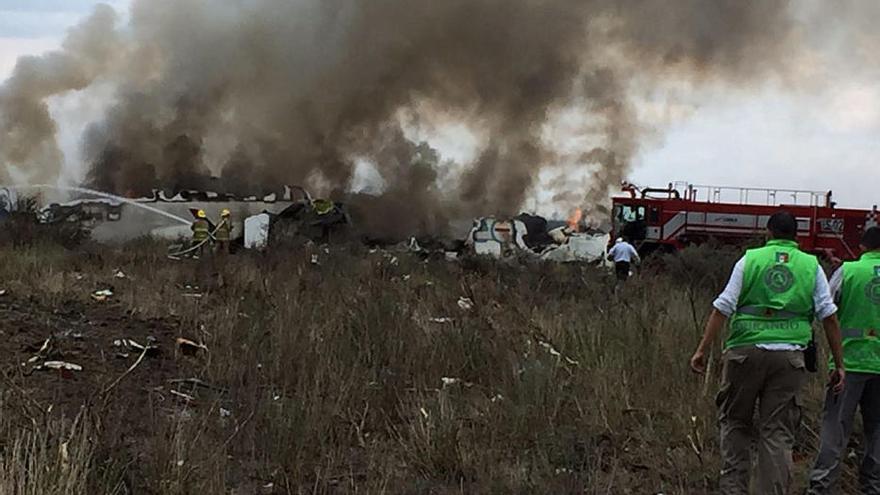 Un avión se estrella después de despegar del aeropuerto mexicano de Durango