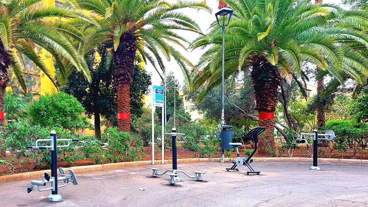 Santa Cruz de Tenerife instala aparatos biosaludables en el parque El Quijote