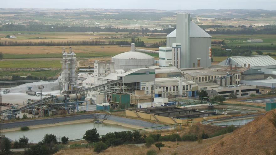 UGT y CGT se concentran en la Azucarera de Toro por la reducción de plantilla