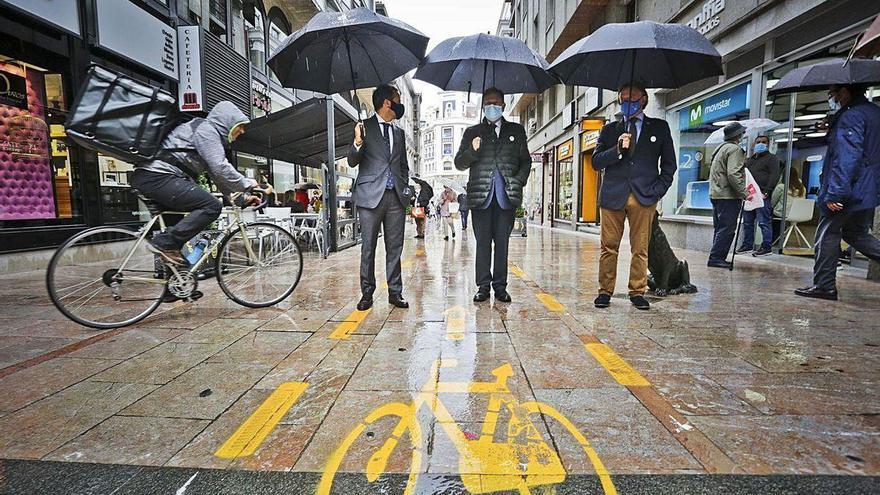 """Canteli: """"Es irreversible, Oviedo tendrá carril bici tan pronto como podamos"""""""