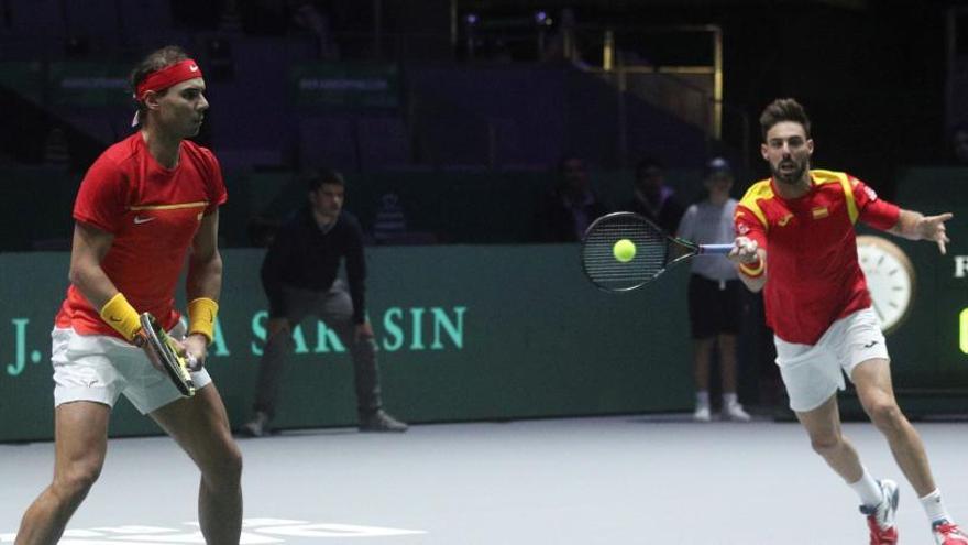 Nadal y Granollers redondean la victoria de España