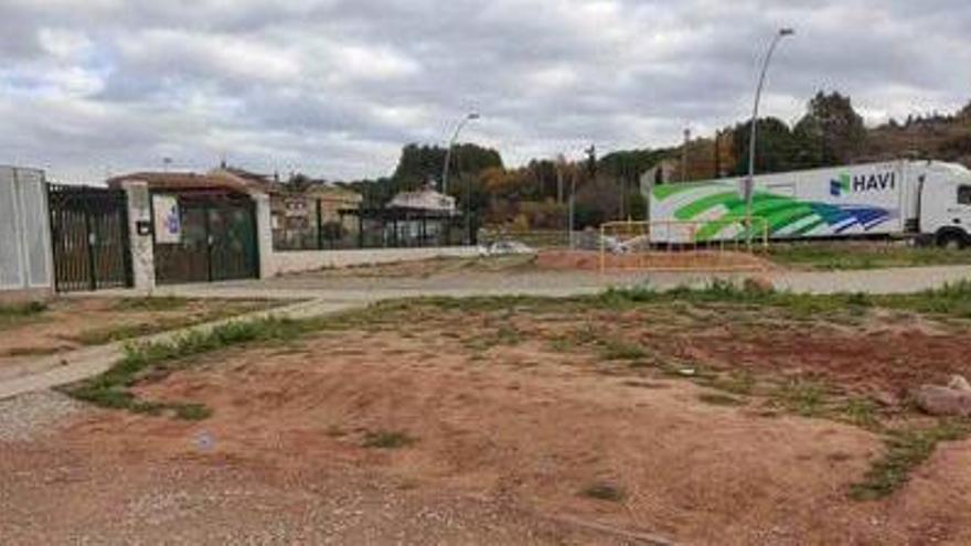 L'Ajuntament inicia aquesta setmana els treballs per millorar l'accés a l'Escola Les Bases, al carrer Puigmal