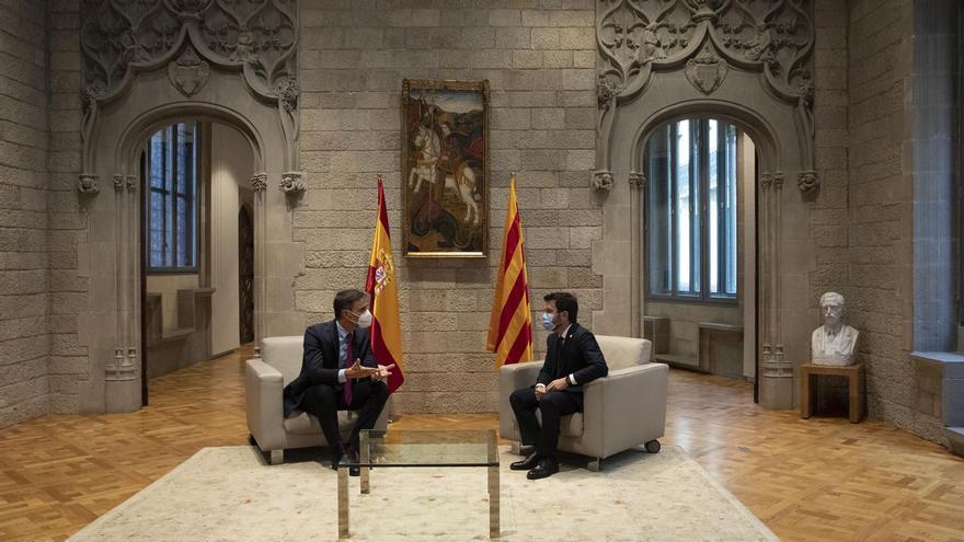 Cómo y por qué Sánchez y Aragonès están atrapados en el diálogo