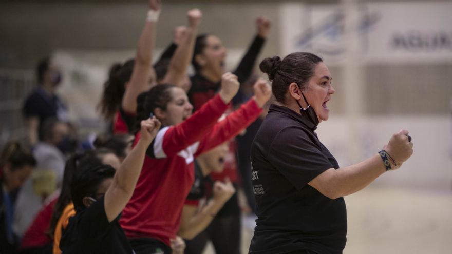 Montse Puche deja de ser entrenadora del Balonmano Morvedre