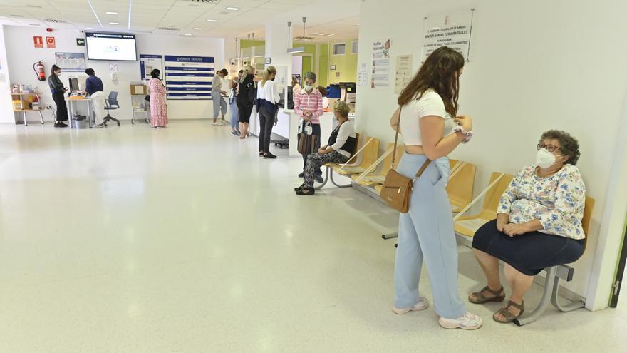 Los médicos exigen más medios y personal en la vuelta a la presencialidad en los centros de salud